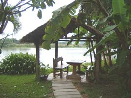 To stay on an island on mae klong river close to kanchanaburi town